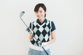 スニーカーはあり?襟付きは絶対?ゴルフ初心者の為のゴルフ場服装&靴ガイド